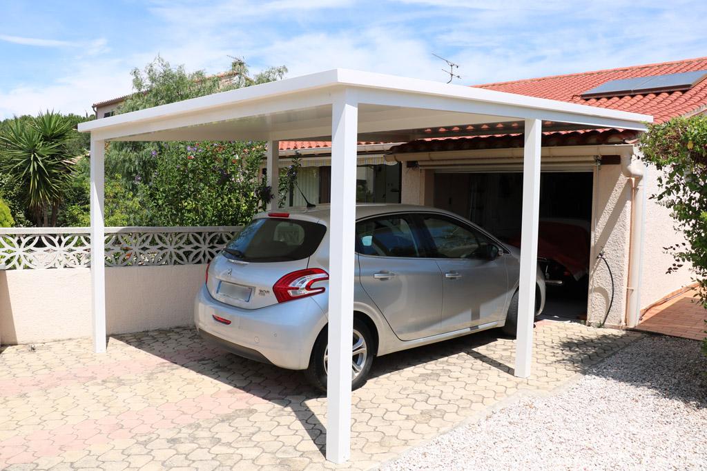 Ecoenergie Habitat, professionnels de l'économie d'énergie, spécialiste de pergolas et toitures rigides réalise vos abris de voitures.